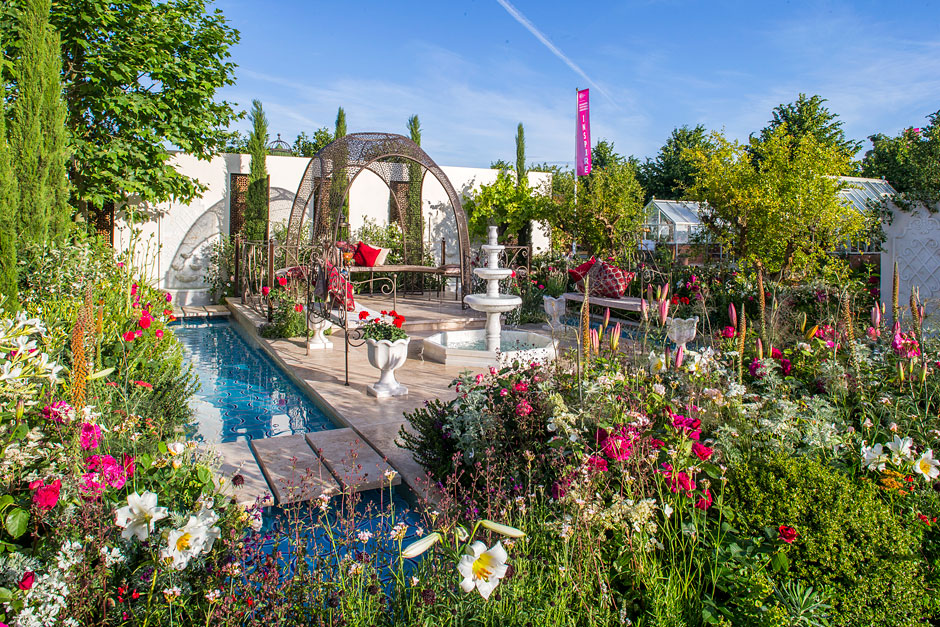Nilufer Danis Garden Of Paradise Has Won The Prize For Best World At This Year S Rhs Hampton Court Palace Flower Show One Largest